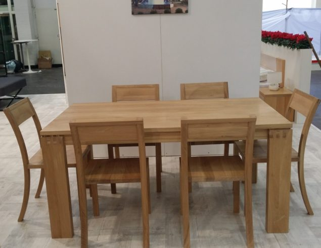 Superior Solid Oak Dining Table With 6 Chairs