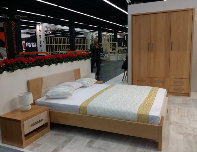 3 Piece Solid Wood Bedroom Set